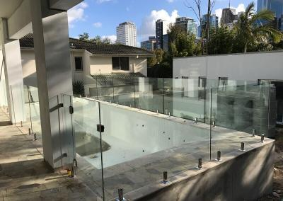 frameless-glass-fencing-2